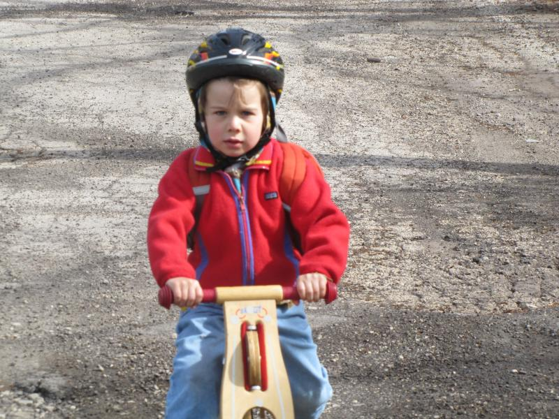 "Everett ""skuuts"" with his mom to school;  a couple of days later he commuted on his ""real"" two-wheeler."