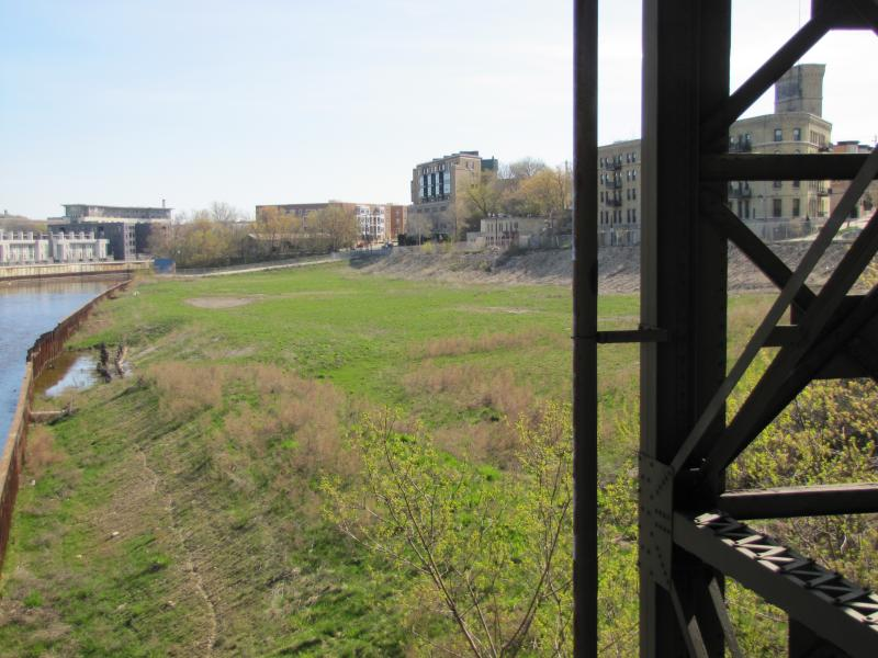 Local land trust hopes to preserve prime Milwaukee River real estate for public urban green space