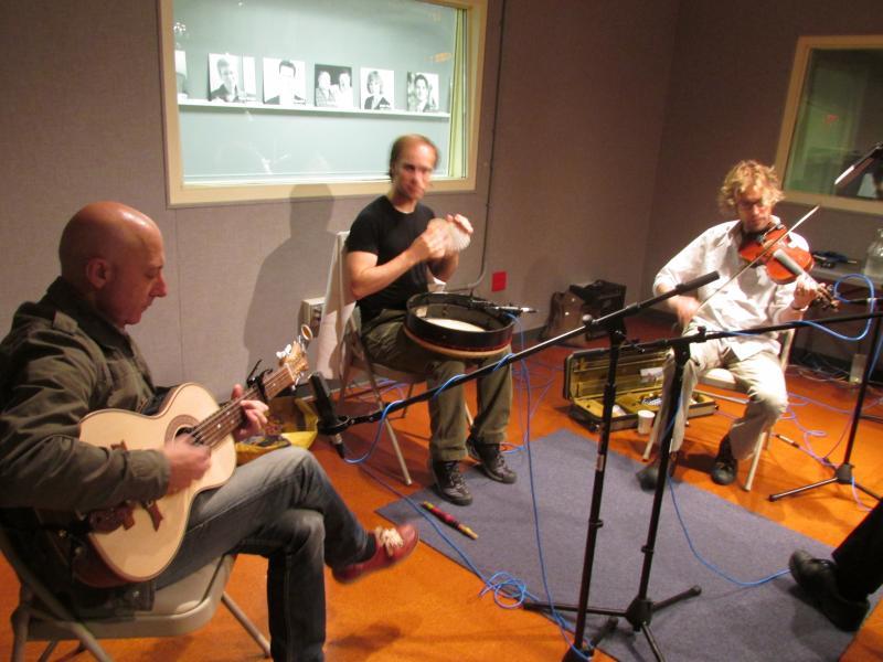 Carlos Núñez ensemble in Lake Effect studio.