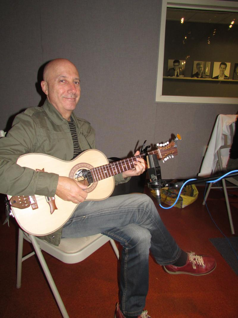 Pancho Àlvarez with his 10-stringed guitar. The guitar has roots back to Medieval troubadours.