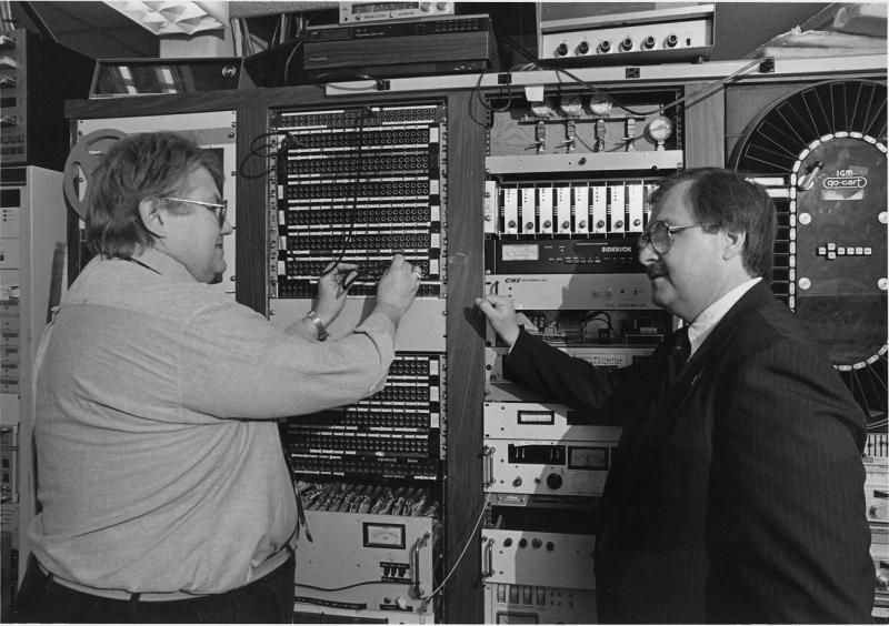 Station Engineer John Groff with General Manager Dave Edwards (1985)