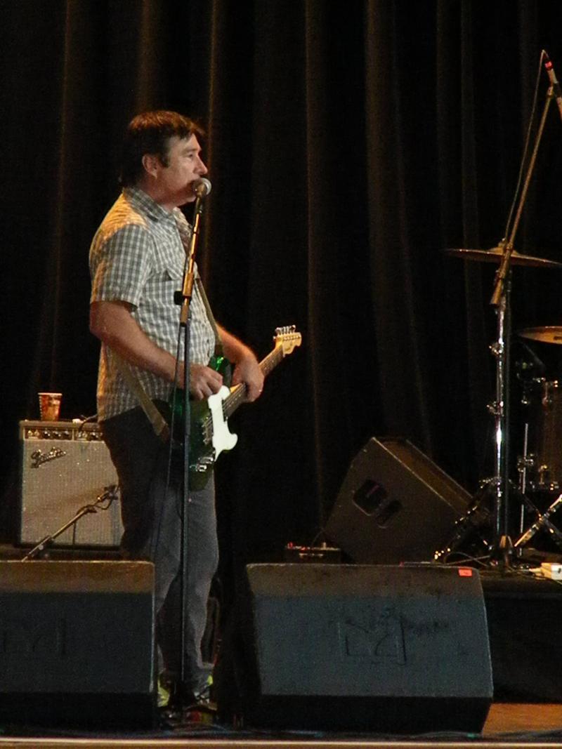 Lead guitarist Ken Bethea