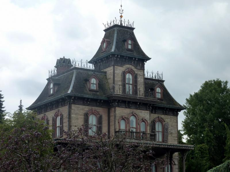essay what makes a true haunted house wuwm essay what makes a true haunted house