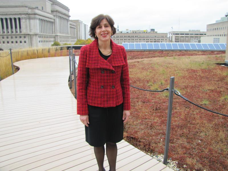 Better Buildings Challenge director Maria Vargas toured Central Library and its green roof during her Milwaukee visit.