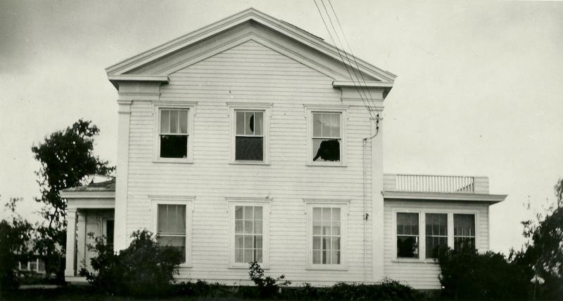 Old World's Sanford House, in its original location, in 1939 after a tornado