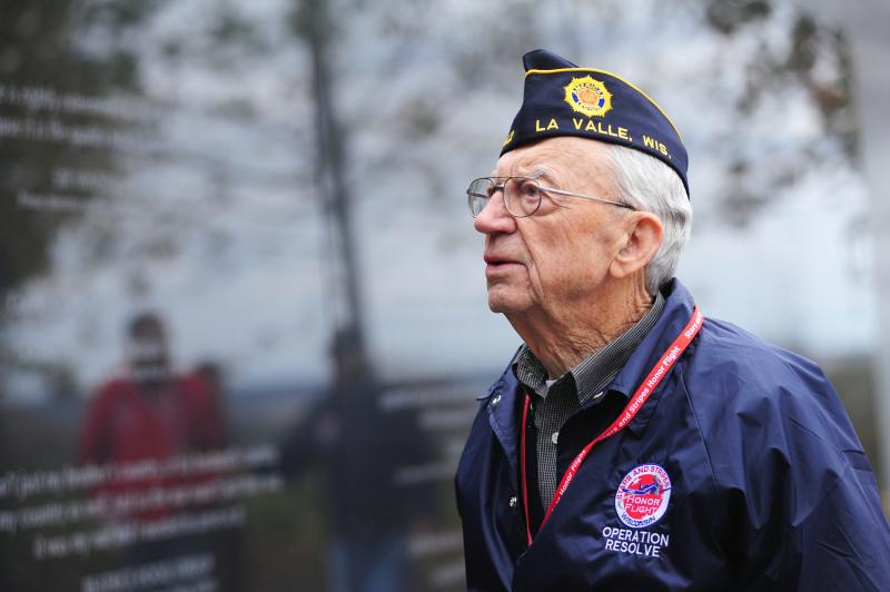 A Wisconsin veteran on the Stars and Stripes Honor Flight trip to Washington, D.C.