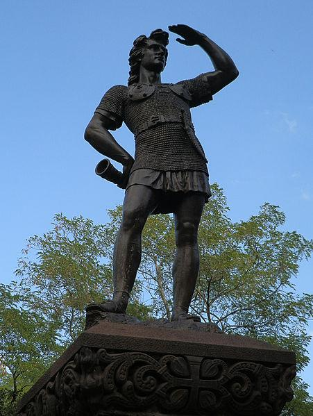 The Leif Ericson statue was restored in 1994.