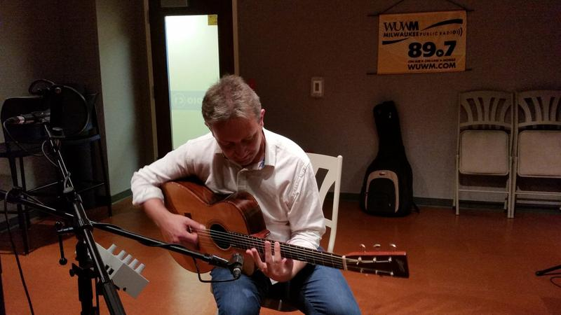 Clive Carroll in the WUWM performance studio