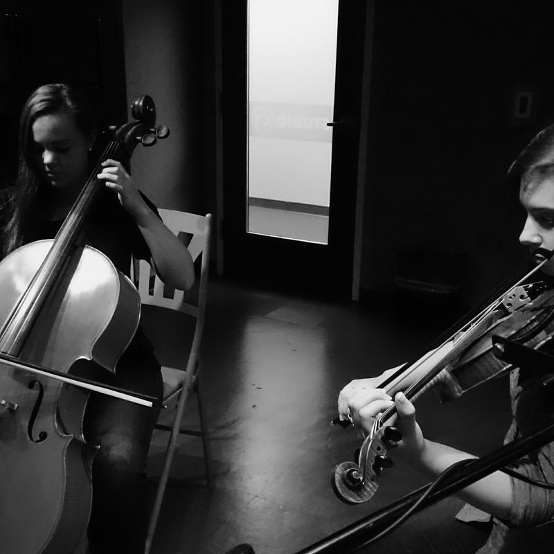 Olivia Hahn (cello) and Karla Dietmeyer (violin)