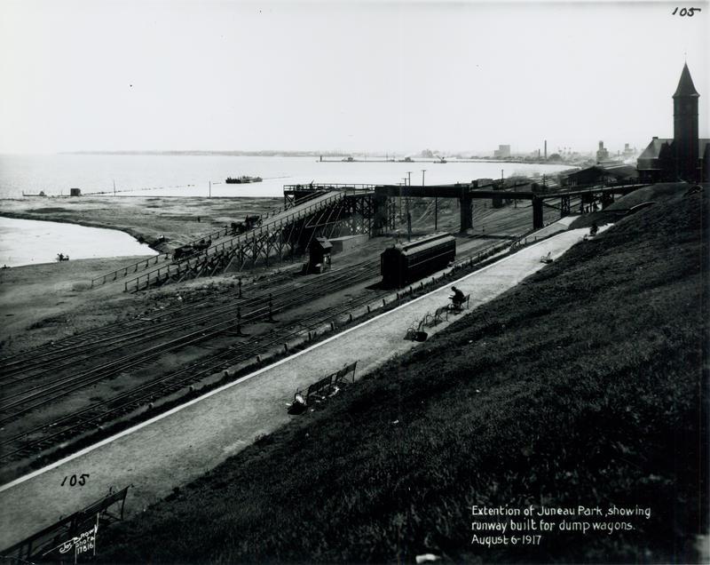Milwaukee's lakefront in 1917.