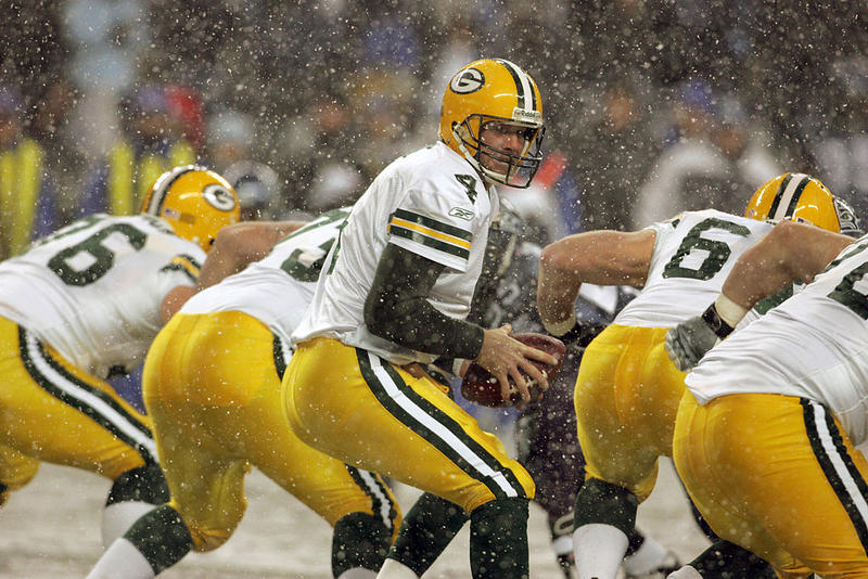 Green Bay Packers quarterback Brett Favre drops back to pass during the first half of the NFL game on Monday Night Football November 27, 2006 at Qwest Field in Seattle, Washington.