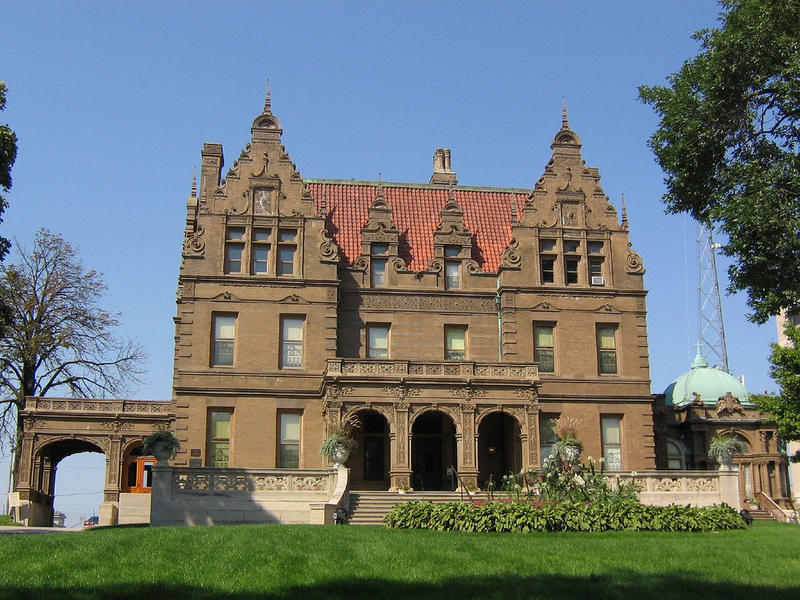 The Pabst Mansion is further east on Wisconsin Avenue