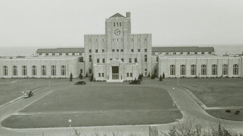 Historical photo of Milwaukee's Linnwood Water Treatment Plant.