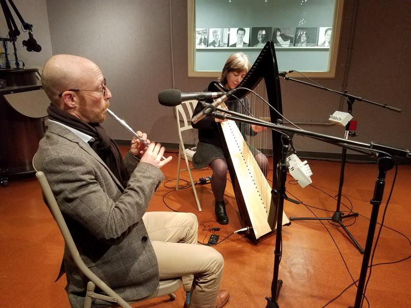 Brett Lipschutz and Kim Robertson performing in studio.