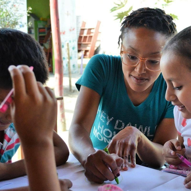 A participant with a Masters in Public Health from Tulane University uses her skills working with a Peru local partner, Vive Peru.