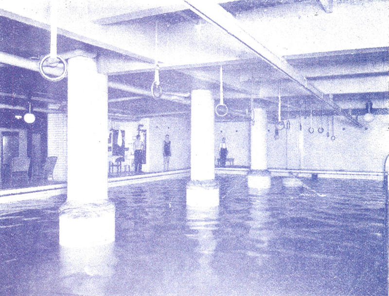 The Milwaukee Athletic Club's pool in the early 1900s.