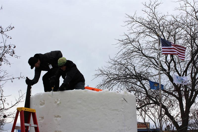 Team Wisconsin beginning the sculpting process.