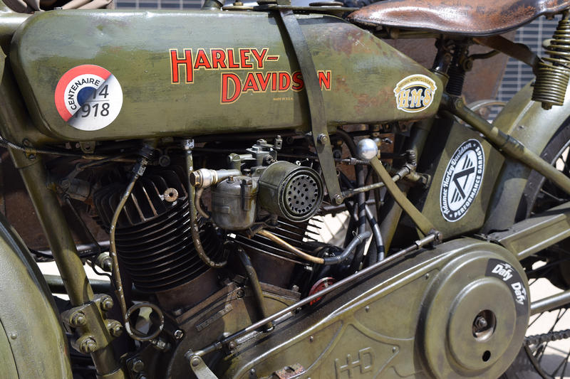 harley-davidson-wwI-vintage-bike-french-american-soldier
