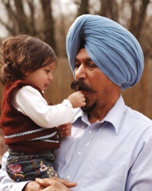 Satwant Singh and his granddaughter Amaris (2006).