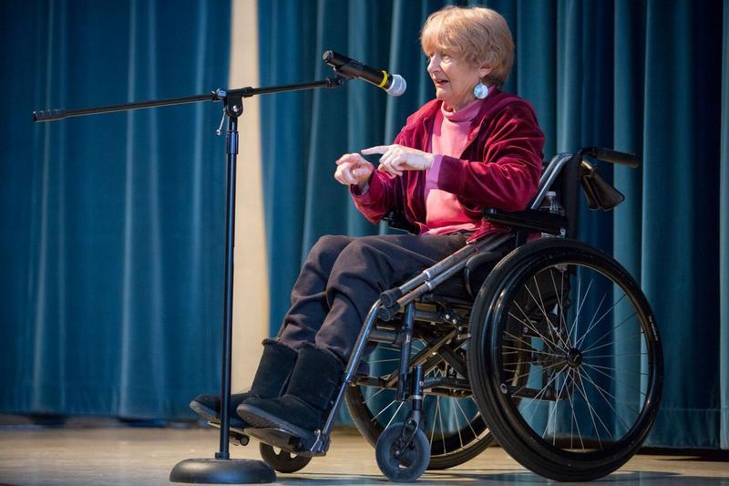 Storyteller Barbara Leigh