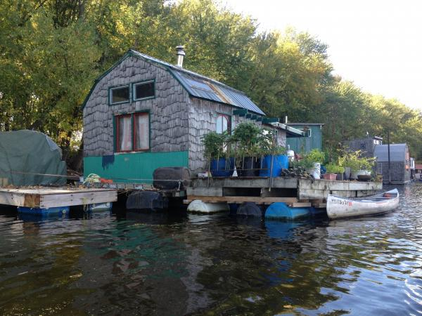 Winona Minnesota resident introduced Paddle Forward crew to Latsch Island Boathouse Community.  It dates back over a century.