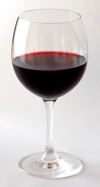 A glass of wine can be so mysterious. That is the kind of fun you can have at your own blind wine tasting parties!