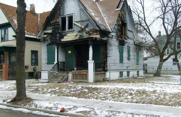 Abandoned homes in Milwaukee challenge law enforcement