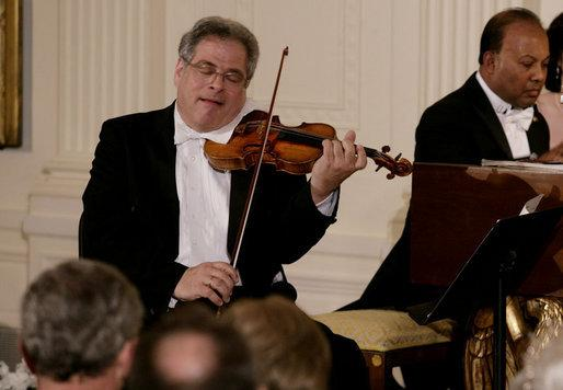 Itzhak Perlman performing at the White House in 2007. He also performed at President Obama's inauguration in 2009.