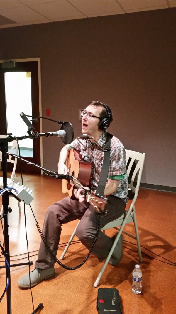 Racine native Zachary Scot Johnson performs in WUWM Studio C1.