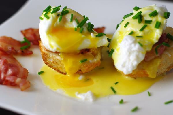 Eggs benedict.. yum.