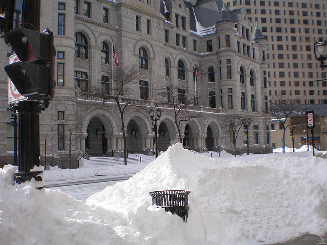 Finally Winter Wimps Out >> Essay Milwaukeeans Aren T Winter Storm Wimps Wuwm