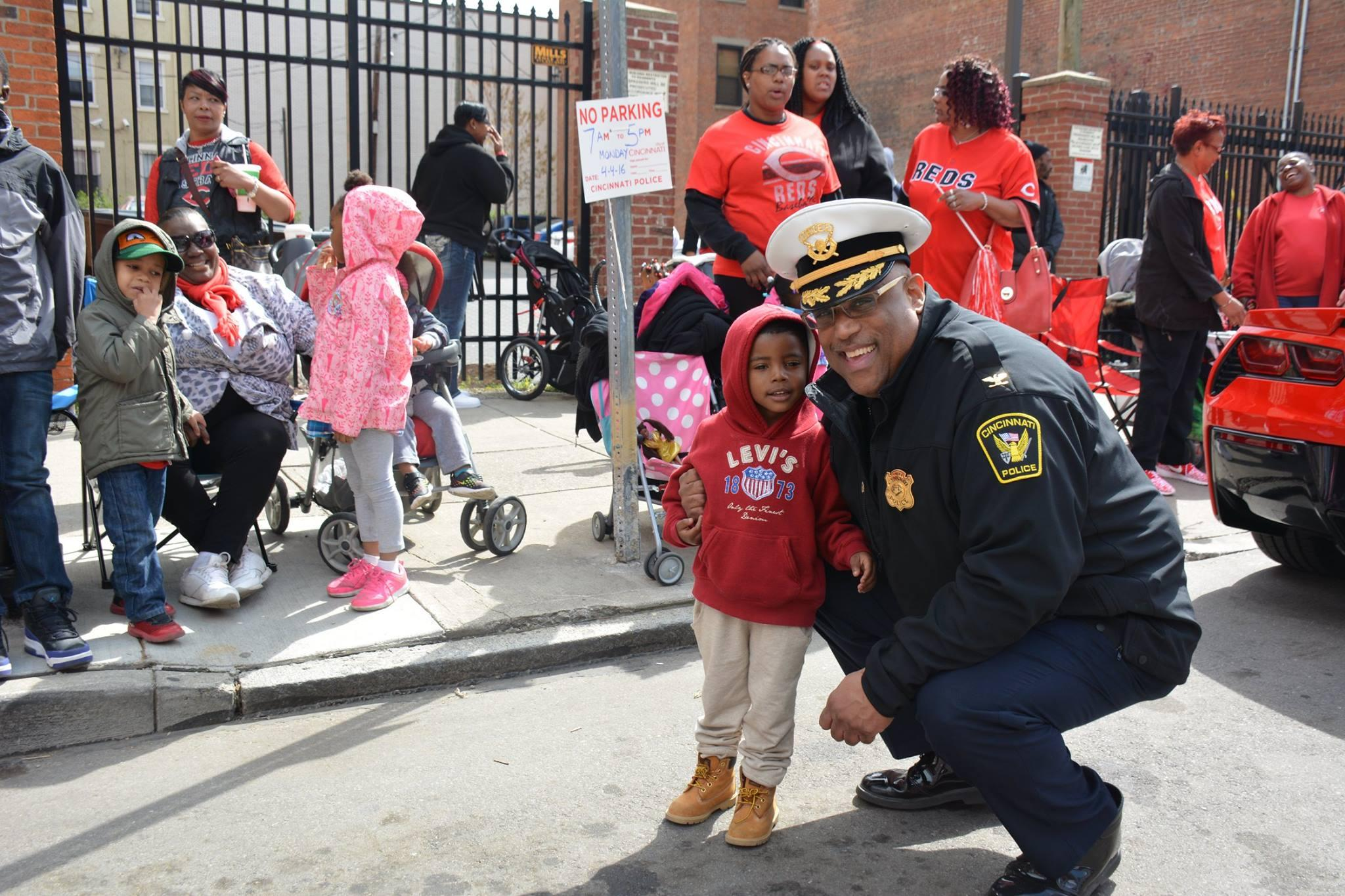 community oriented policing cop essay Solving and partnering with the community community policing encourages its adoption agency-wide office of community oriented policing services.