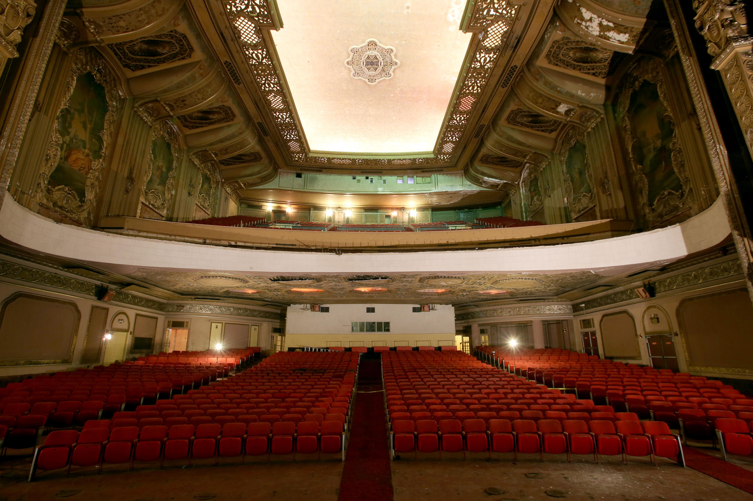 milwaukee symphony orchestra hopes to move into historic grand