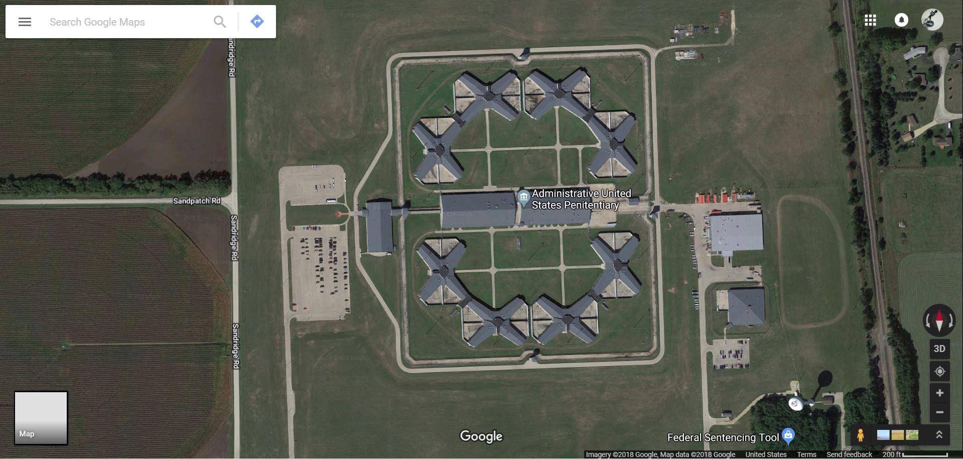 Loebsack Tours Thomson Prison | WVIK