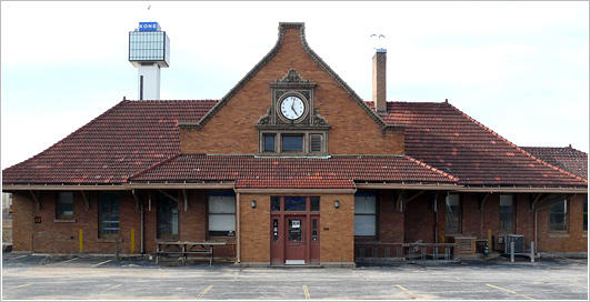Idot plans to demolish historic moline train depot wvik for Railroad depot plans