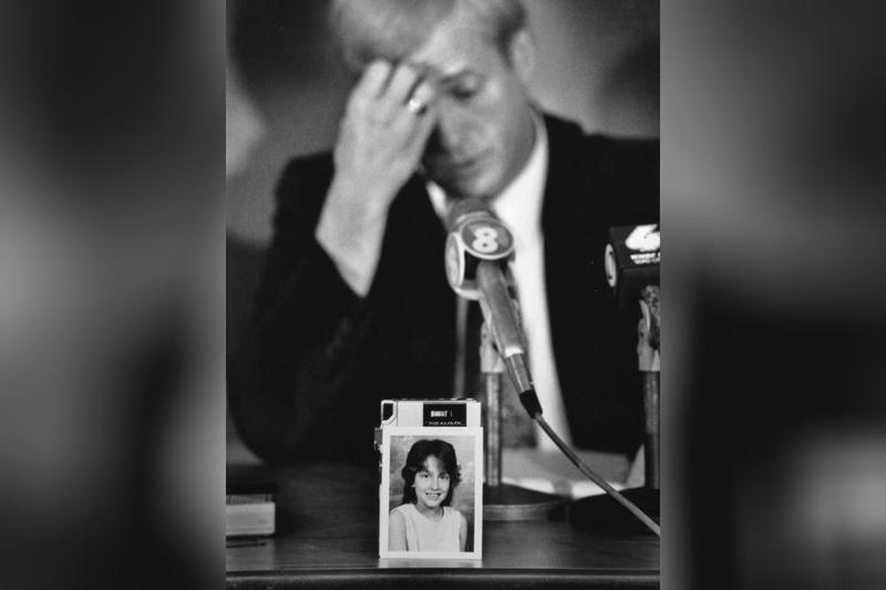 Lt. Don Schaeffer addresses the media on September 18, 1990, the day after Jennifer Lewis was murdered.