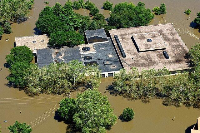Aerial photo of the old museum surrounded by water during the 2008 flood