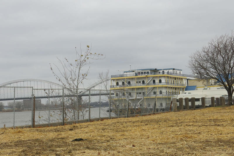 This photo was taken in 2015 after the Dock restaurant was torn down. It shows the Rhythm City Casino riverboat docked at its permanent barge.