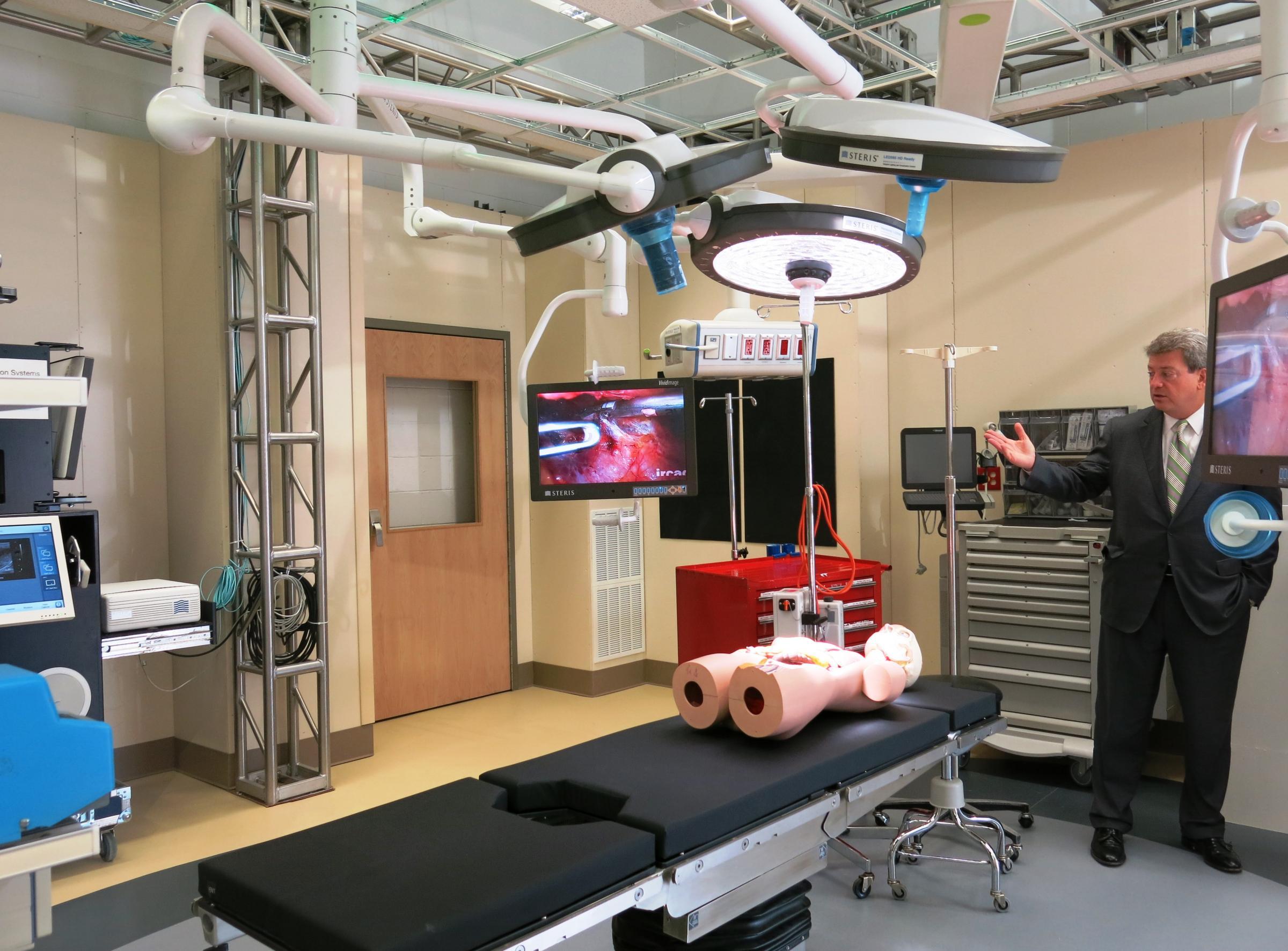 Genesis Medical Center Model Operating Room Wvik