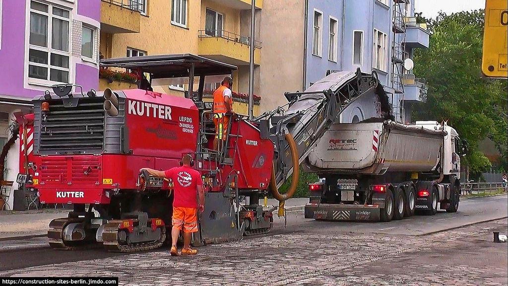 Deere to buy German road construction equipment maker