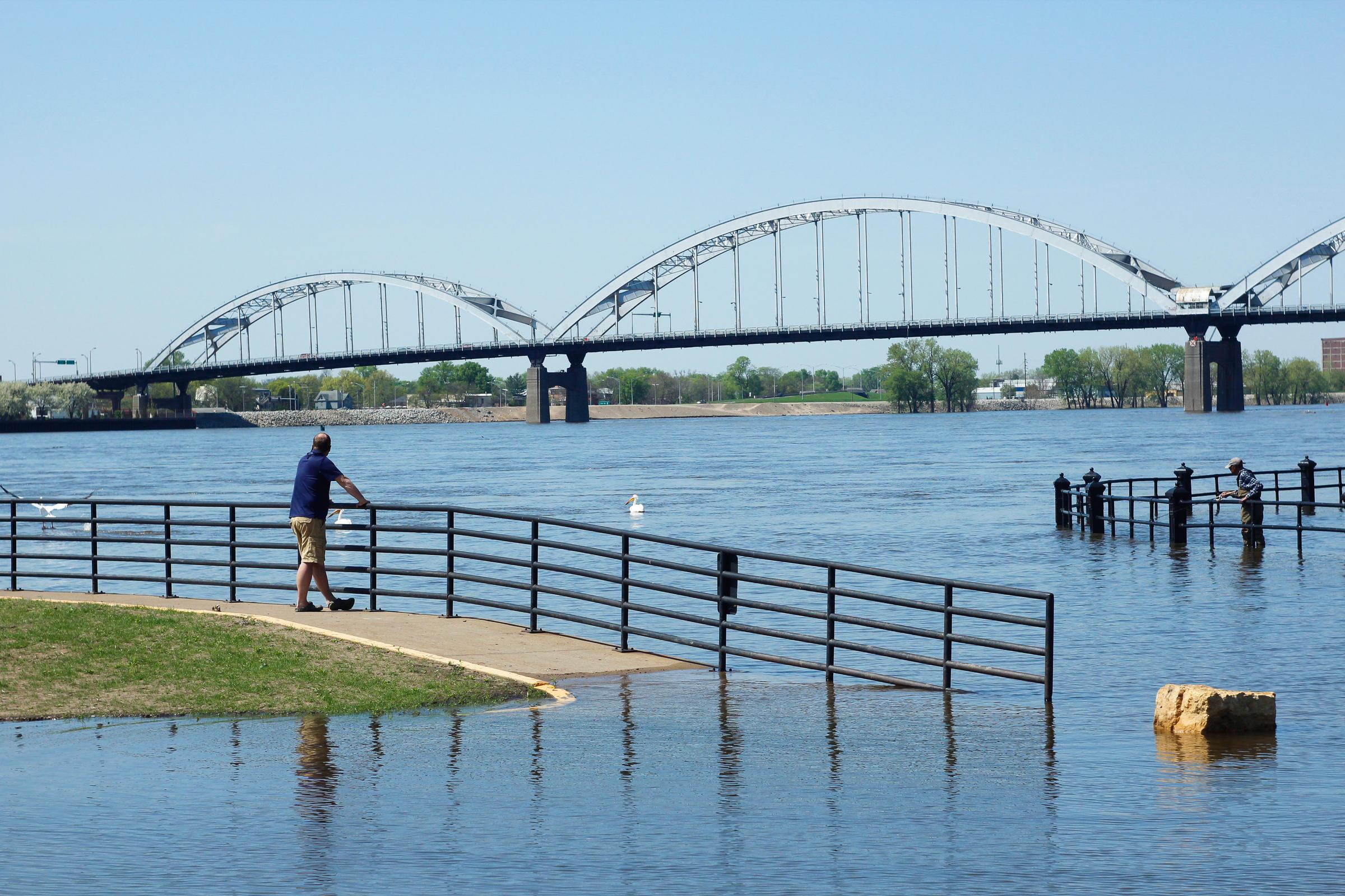 Mississippi River Flood Response Updates   WVIK