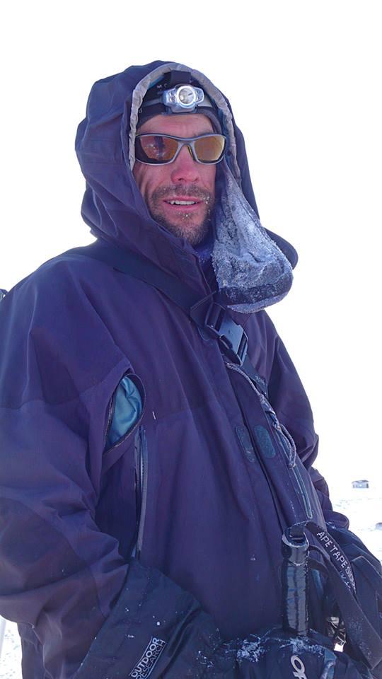 West Virginia Doctor Walks 1 000 Miles To Win Alaskan