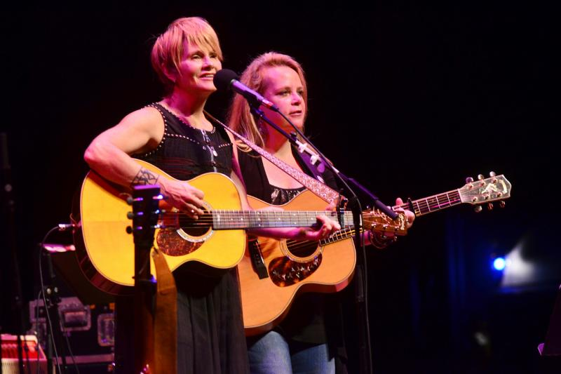 Mary Chapin Carpenter & Shawn Colvin on Mountain Stage