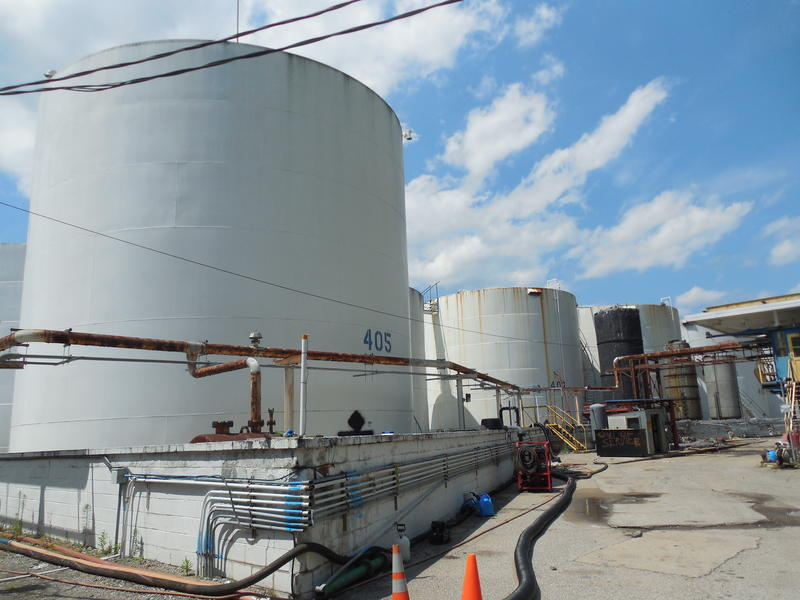 freedom industries and chemical spill essay Freedom industries, company behind west virginia chemical spill, under scrutiny 1 freedom industries, company behind west virginia chemical spill, under scrutiny charleston, wva (ap) -- when state inspectors showed up unannounced at freedom industries to investigate a licorice odor wafting across west virginia's.