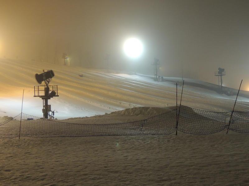 skiing, snowmaking, ski resorts