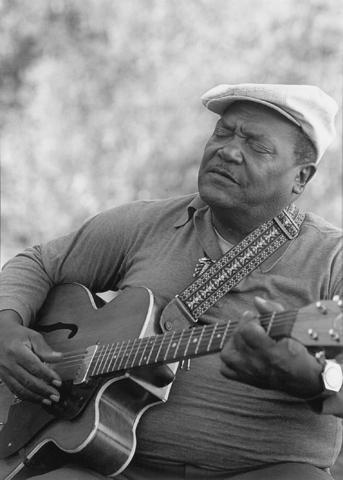 Bluesman Nat Reese (1924-2012)