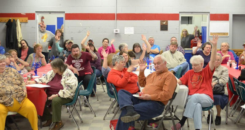 Linefork area residents needing broadband service raise their hands.