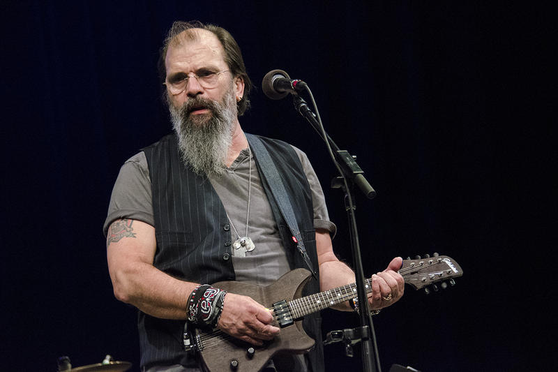 Steve Earle returns to the Mountain Stage on this week's broadcast.