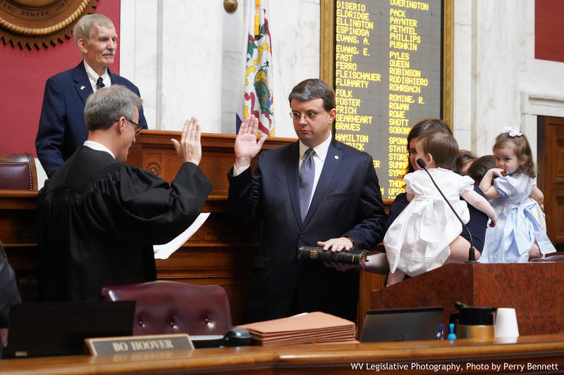 Del. Roger Hanshaw is sworn in as the 58th Speaker of the House by Kanawha Co. Circuit Judge Dan Greear.