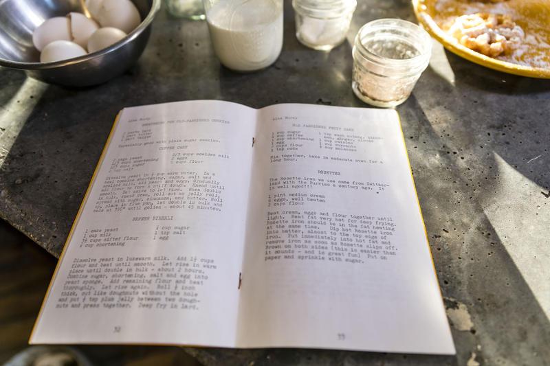 Traditonal Holiday Rosette Recipe